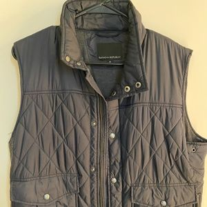 Banana Republic navy quilted vest